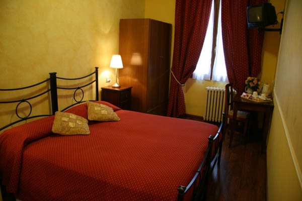 Soggiorno Pezzati - Bed & Breakfast in historical center of Florence